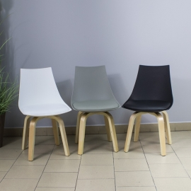 Chaises & Tables